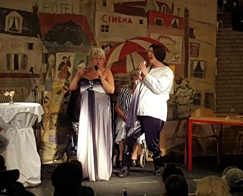 Cabaretvoorstelling bij Familiecamping De Kleine Wielen